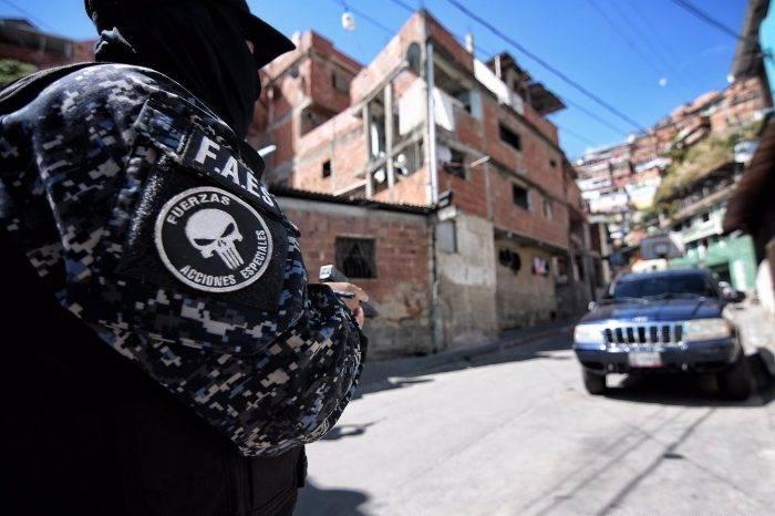 Venezuela es el país de América Latina donde los policías matan más