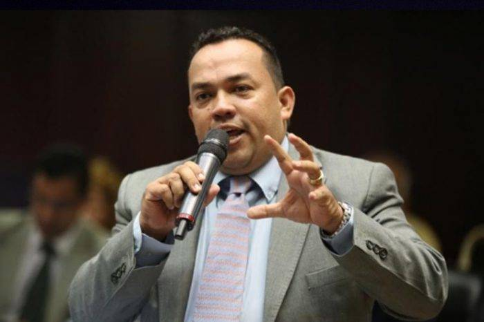 "Constituyente pide investigar al diputado Franklyn Duarte por ""instigar al odio"""