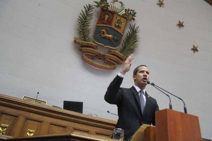 La culpa no es de twitter ni del Facebook, por Ángel Monagas