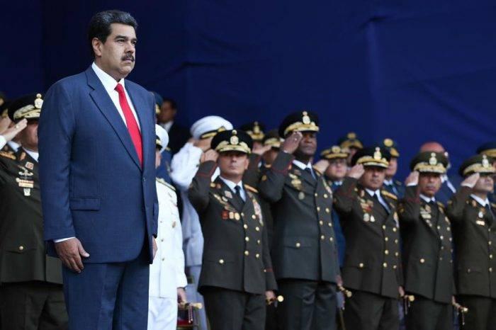 Amparado en rango militar de comandante en jefe, Maduro acentúa control sobre la FAN