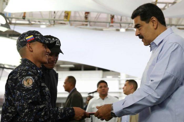 Nicolás protege a las FAES, por Naky Soto