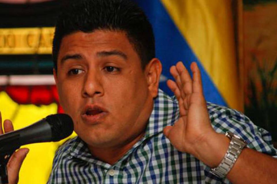 """Ministro para la juventud anuncia """"alianza textil"""" con China Pedro Infante"""