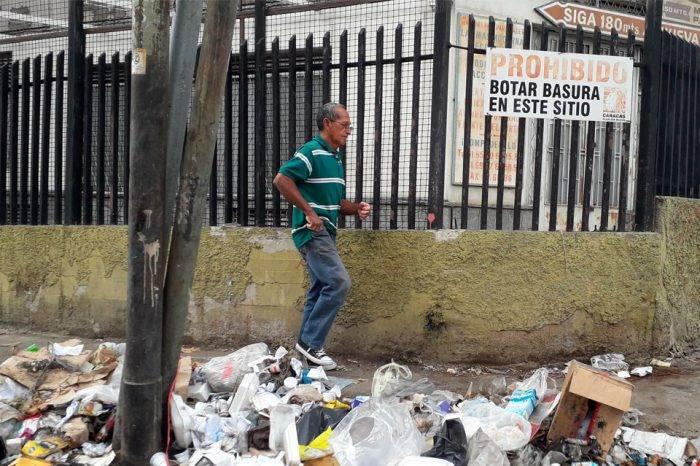 En Prado de María pagan por un aseo que lleva dos años sin recoger la basura