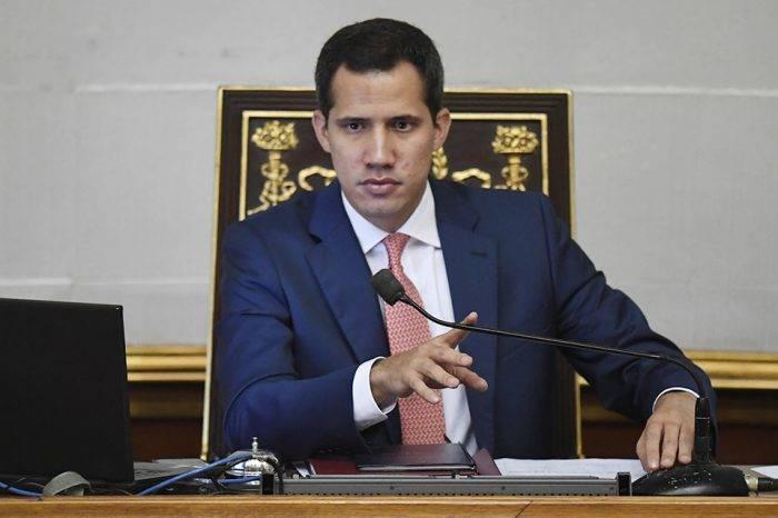 Guaidó considera que visado de Ecuador deja más vulnerables a migrantes venezolanos