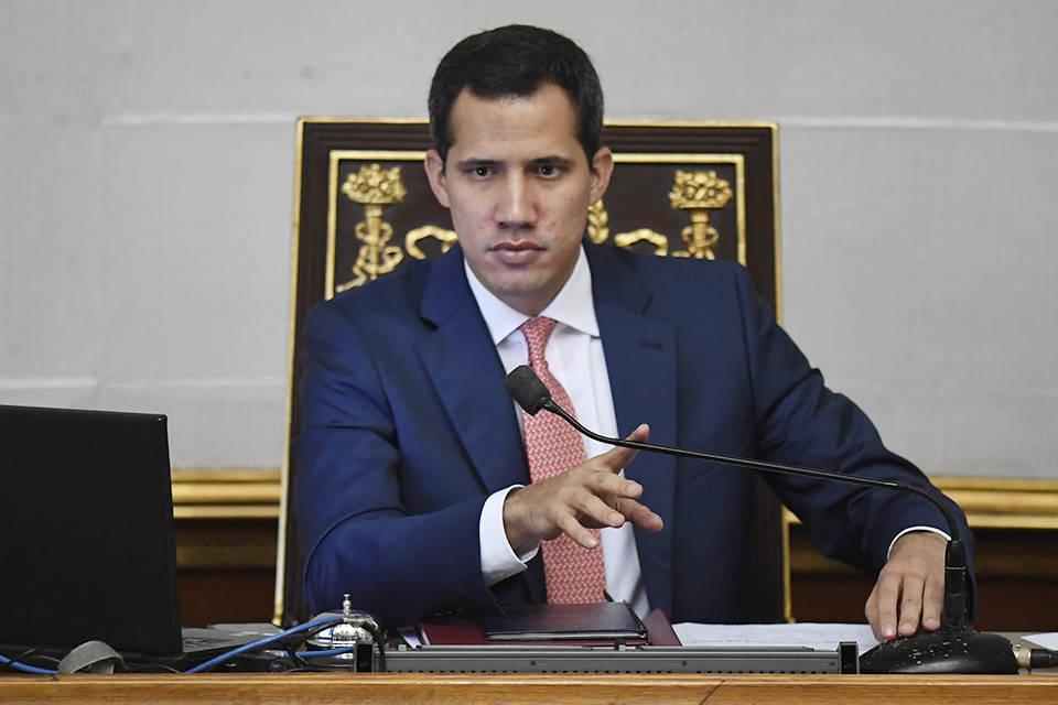 """Elección con Maduro en el poder no sería """"realmente libre"""", afirma Juan Guaidó. Dice que no puede haber comicios con inhabilitaciones"""