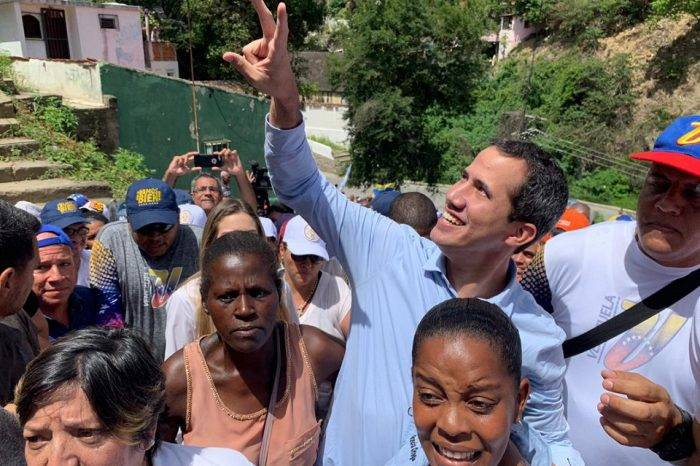 "Guaidó calificó a Maduro de ""usurpador miedoso"""