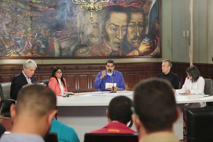"""Colombia rechaza """"delirantes"""" señalamientos de Maduro"""