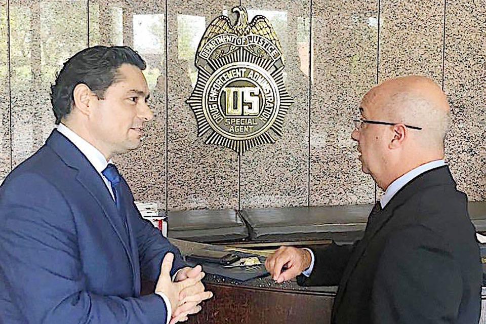 Carlos Vecchio e Iván Simonovis se reúnen en privado con la DEA