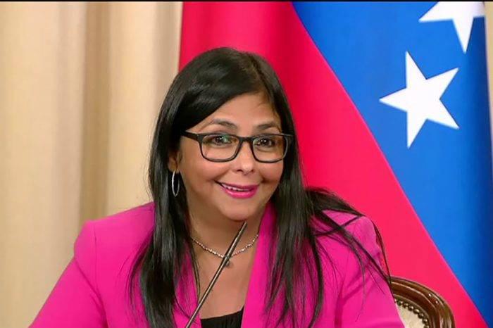 """Delcy Rodríguez viaja a Rusia para """"reforzar"""" las relaciones """"estratégicas"""" con Moscu"""