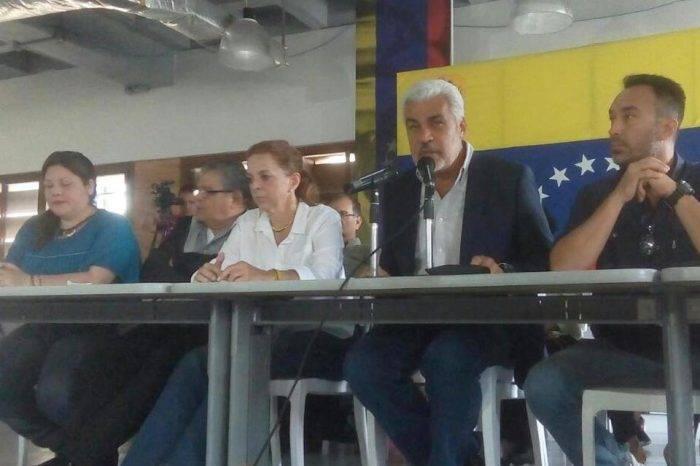 Oposición quiere reconectarse con movilizaciones empezando por los casa por casa