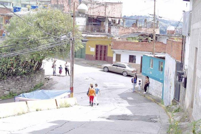 Sector Quebrada de la Virgen de Los Teques tiene más de dos años sin transporte