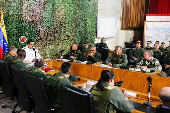 Maduro reprime a las fuerzas de seguridad para mantener control, apunta un artículo del diario estadounidense New York Times que señala que hay 117 oficiales, entre activos y retirados, detenidos en cárceles venezolanas