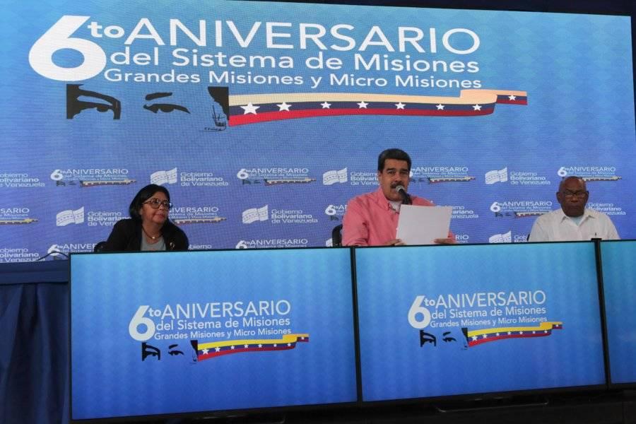 Nicolás Maduro juramentó a sus nuevos ministros en el Teresa Carreño