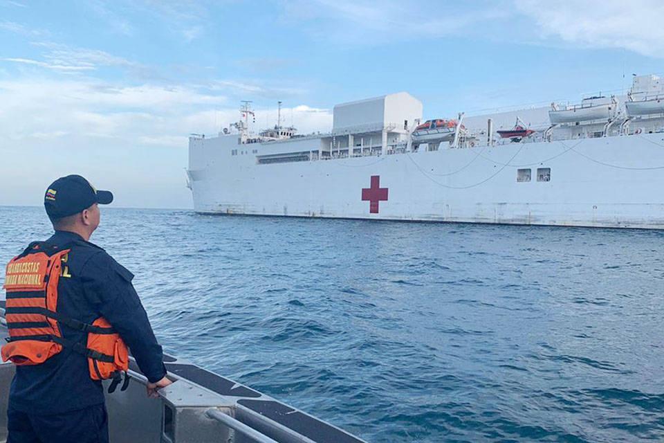 Buque hospital de EEUU llega a Colombia para atender a migrantes venezolanos. Tienen previsto realizar 12 cirugías diarias a bordo del buque