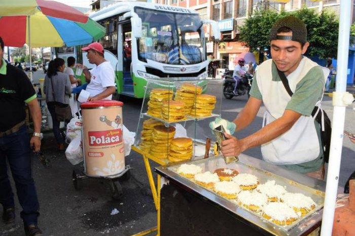 Destacar a un Venezolano trabajando en Ecuador