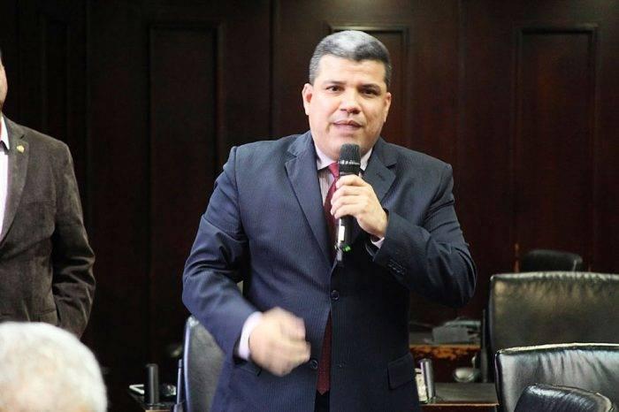 """""""Política de terror"""" aplica gobernador de Yaracuy"""