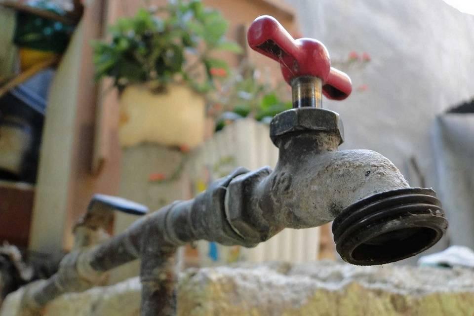 Más de 10 días sin agua