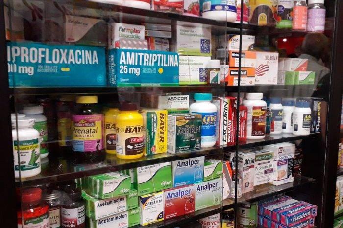 Bodegones venden en dólares medicinas importadas sin autorización ni registro sanitario