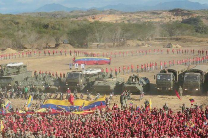 """Colombia en """"alerta máxima"""" ante maniobras militares venezolanas"""
