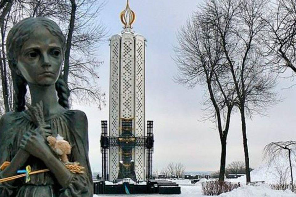 "Holodomor, en ucraniano ""matar de hambre"