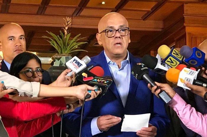 Maduro y partidos minoritarios se imponen límites para cumplir acuerdos del diálogo