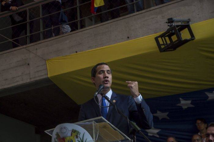 Guaidó: declaraciones de Saab son un invento, que digan dónde está Santrich