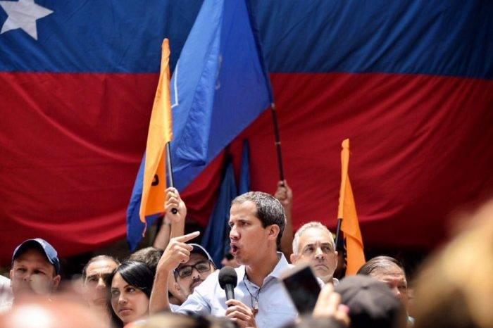 """Guaidó llama a un """"levantamiento popular sin precedentes"""" el 16 de noviembre"""