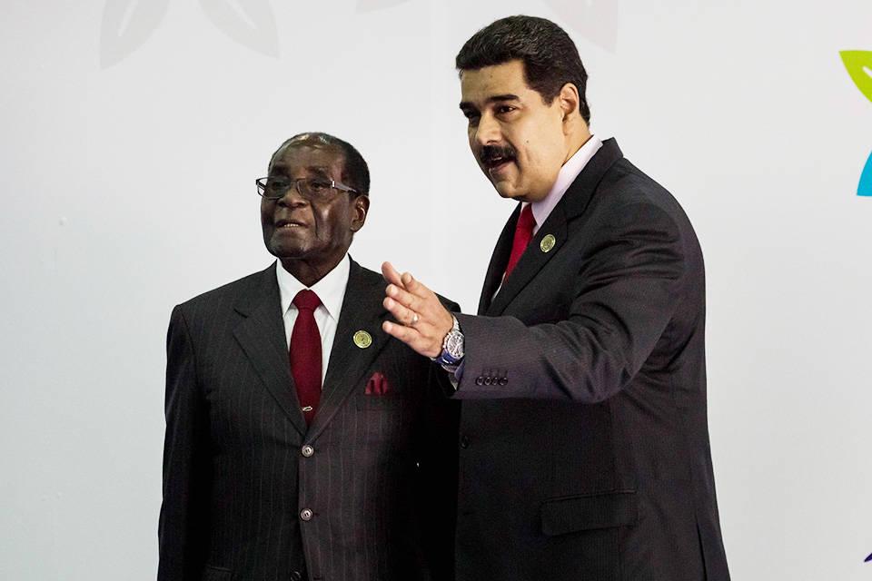 Muere Robert Mugabe, expresidente de Zimbabue y amigo del chavismo