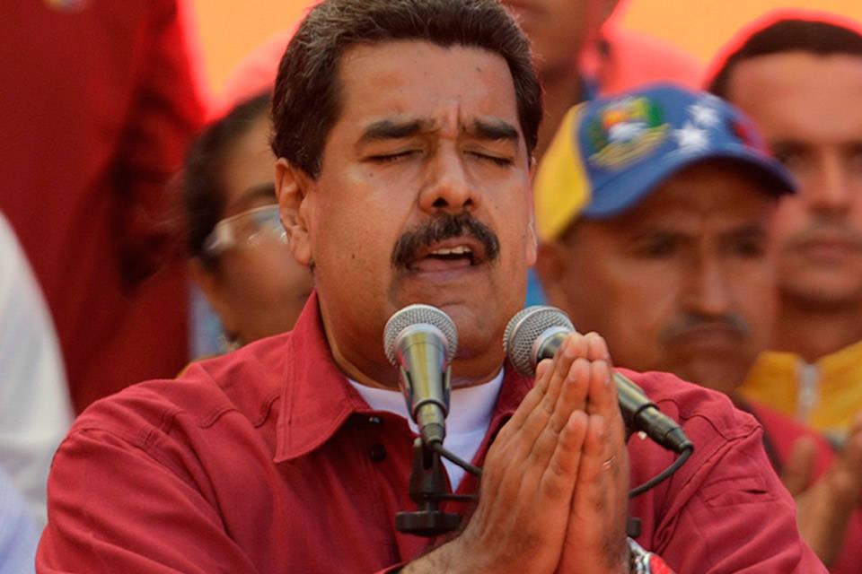 """En plena crisis Maduro se compromete a """"consolidar"""" el modelo """"socialista"""" que ha llevado al país a la peor crisis económica de su historia"""