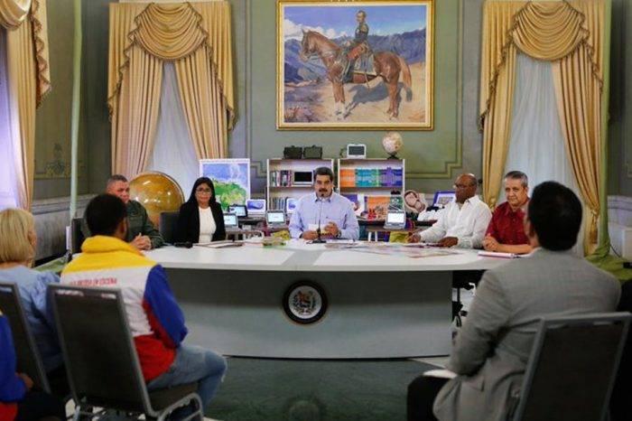 """Maduro dice que """"importantes sectores"""" de la oposición firmaron acuerdo con chavismo"""