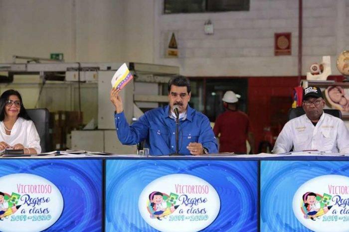 """Maduro defiende las firmas anti-Trump, asegura que las consiguió """"sin chantaje"""""""