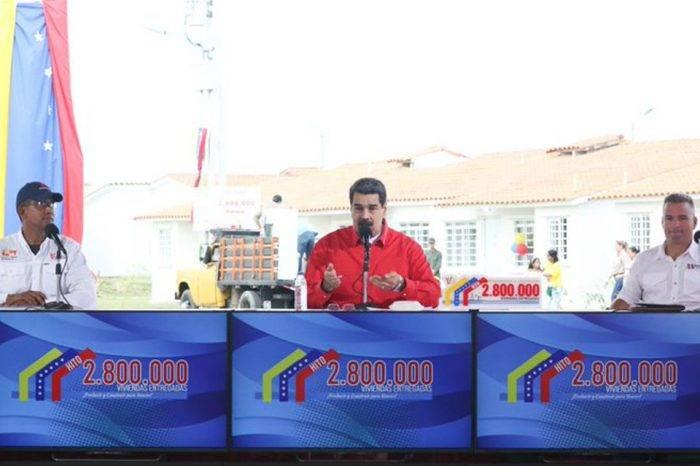 Maduro intenta revivir al petro al integrarlo como método de pago en Misión Vivienda
