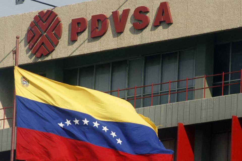Pdvsa asegura que elevó su producción a 968.900 barriles diarios