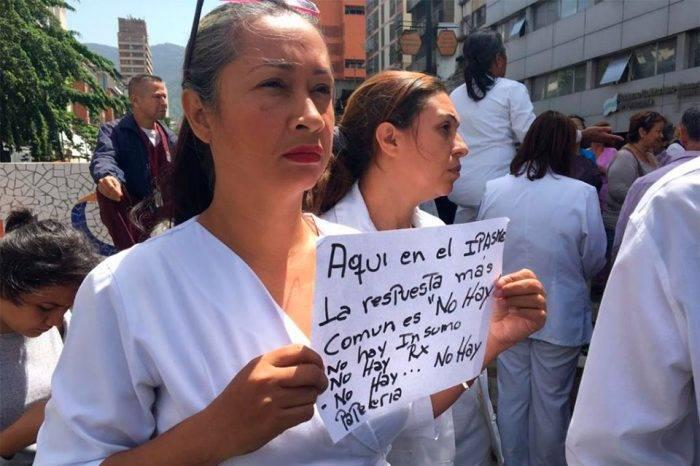Docentes y trabajadores de la salud protestaron para exigir mejoras salariales