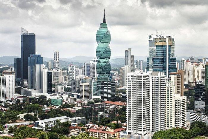 Para comprar petróleo venezolano, vaya a la ciudad de Panamá