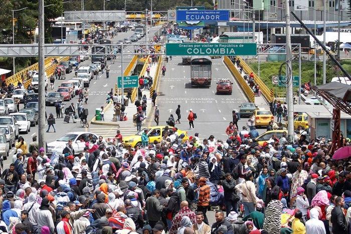 Ecuador permitirá entrada a venezolanos en tránsito
