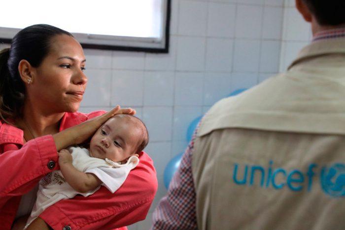 Falta de fondos en Unicef pone en riesgo las vacunas de casi 400 mil niños venezolanos