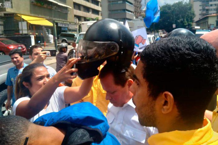 Juan Pablo Guanipa llegó a la marcha que convocó en Caracas en solidaridad con el Zulia