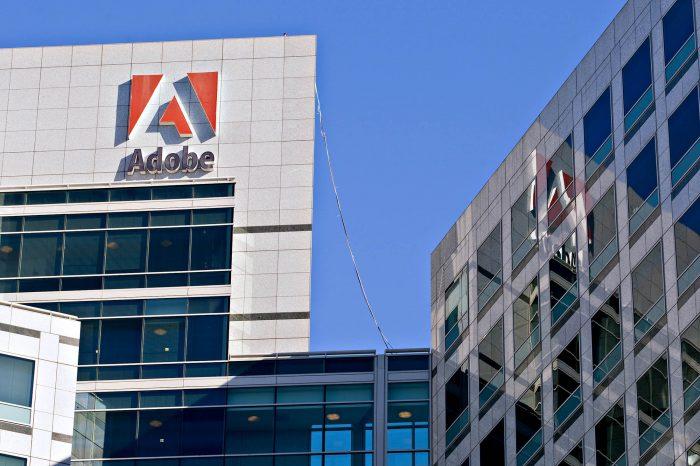 Adobe revierte suspensión de servicios en Venezuela