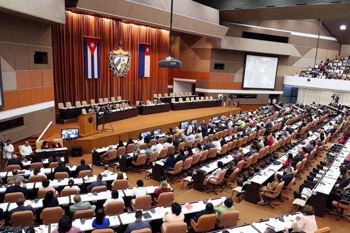 Diputados de Cuba eligen hoy al presidente y vicepresidente de la isla en un proceso donde no ocurre la participación directa del pueblo