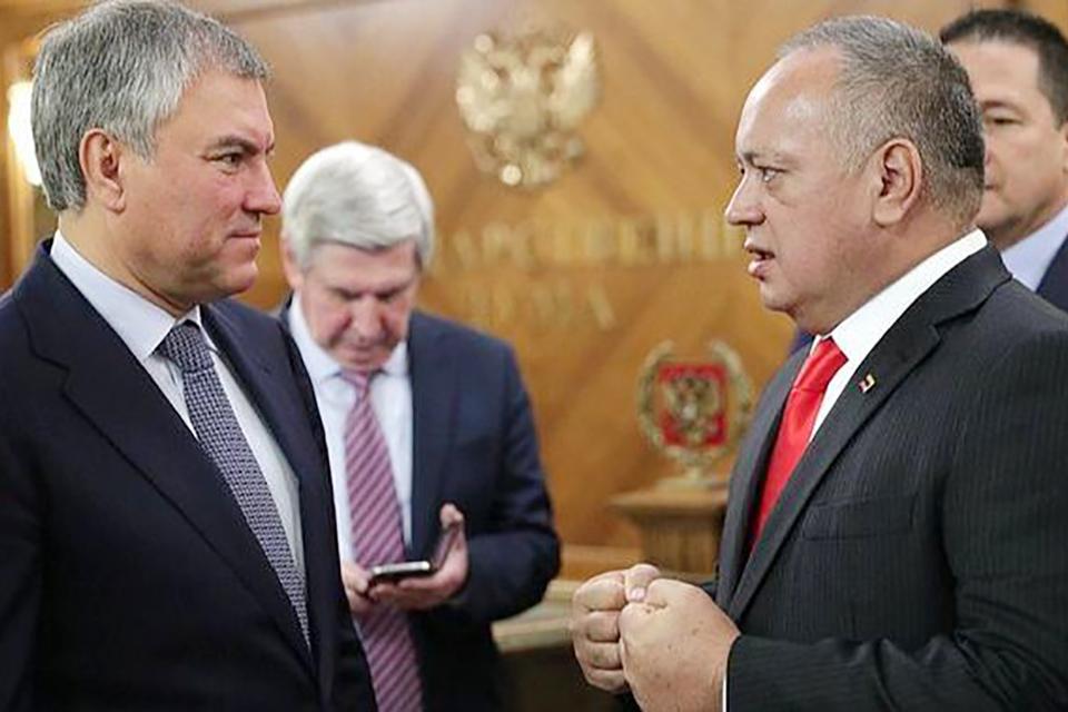 Cabello hace una parada en Rusia. Fue recibido por el presidente de la Duma Viacheslav Volodin con quien trató la situación en Venezuela