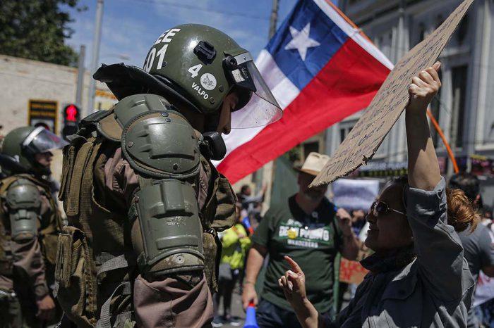 Muertos por protestas en Chile llegan a 18 incluyendo un niño de 4 años