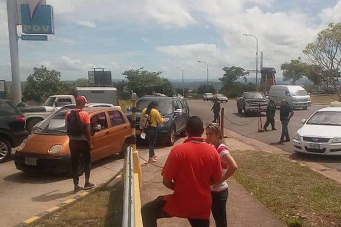 Gobierno recicla medida de racionamiento de combustible según placa en Bolívar
