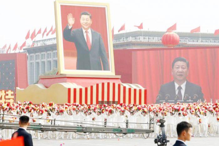 China presume de su poderío militar ante el presidente Xi Jinping con un faraónico desfile en el 70 aniversario de la República Popular China