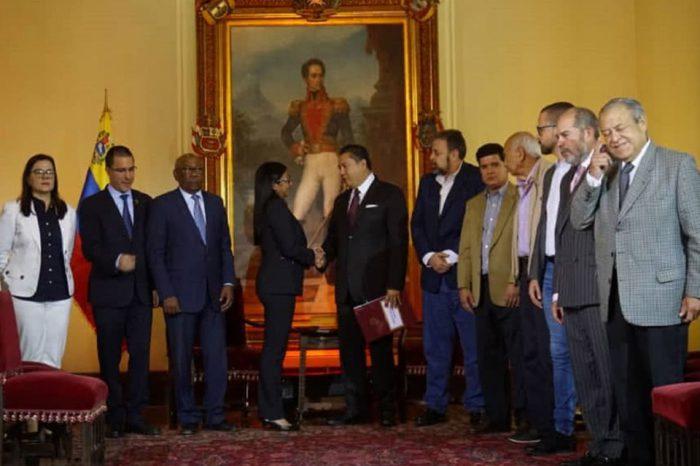 Dialogo-oposición-minoritaria-y-gobierno