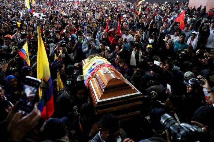La muerte de un indígena durante las protestas contra las medidas del presidente Lenín Moreno elevaron la tensión en Ecuador