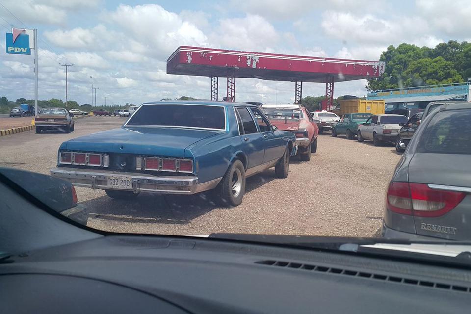 Plan de distribución de gasolina por número de placa aplicarán en Bolívar