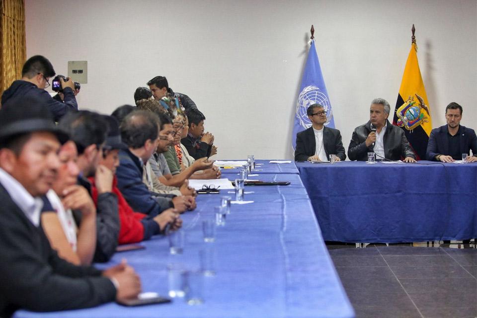 Indígenas de Ecuador con Lenín
