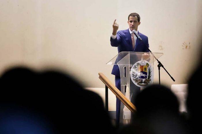 Guaidó: estamos conversando con República Dominicana para flexibilizar solicitud de visa