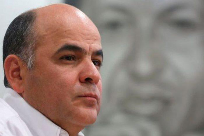 Manuel Quevedo niega que petróleo en playas de Brasil sea venezolano